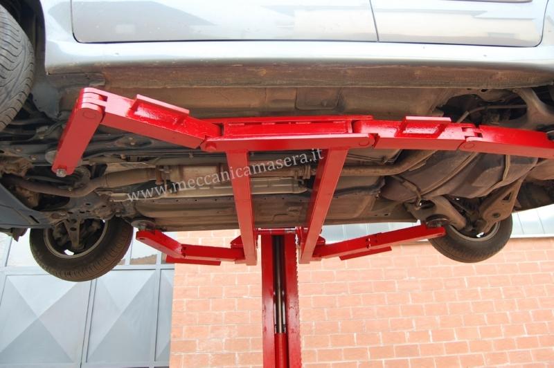 Sollevatori monocolonna per officina for Ponte meccanico per auto usato